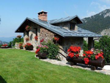 gutter installers in New England for vacation home